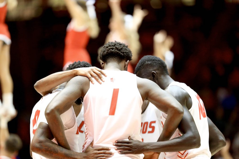Lobos can't hold on to 17-point lead, fall to Fresno State