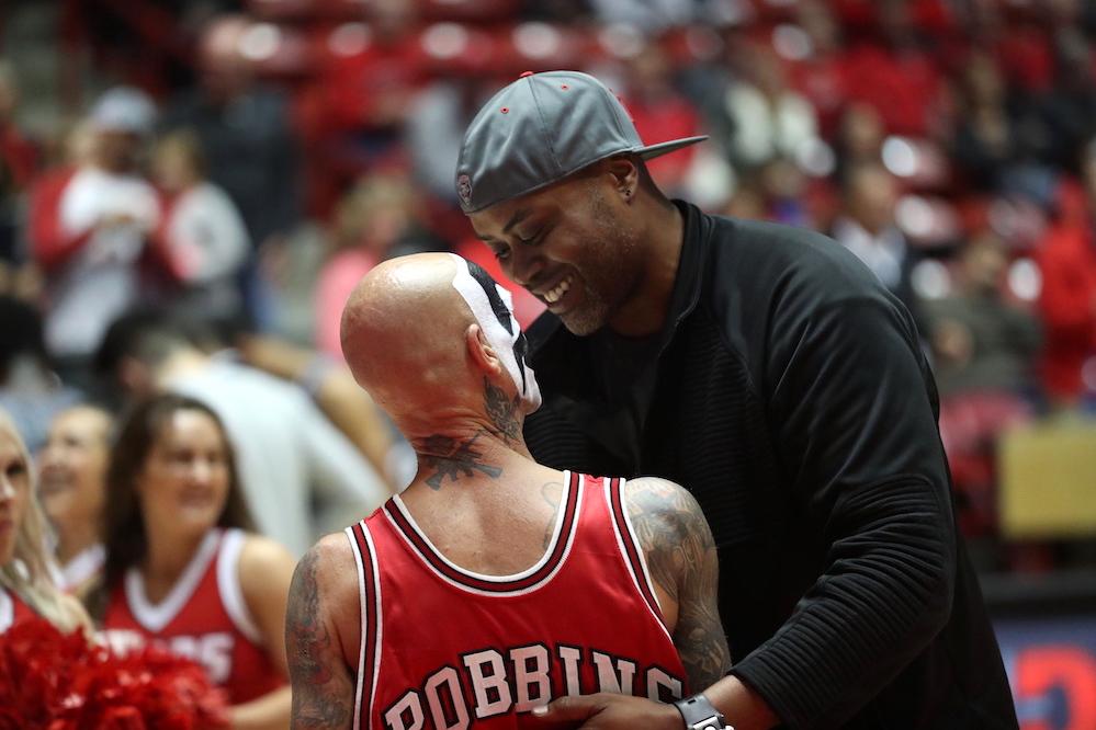Former NBA player Kenny Thomas attends UNM season opener