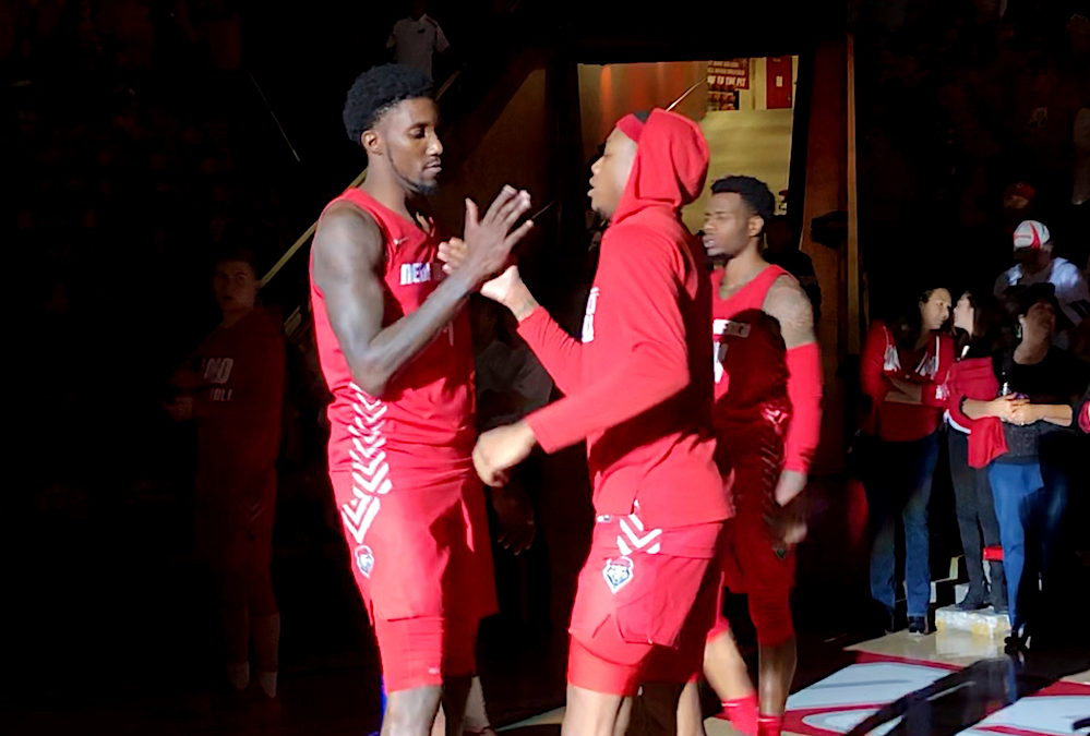 Lobos overcome rough start to get a 19-point win